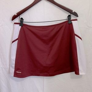 🦩2/$25 Reebok / Burgundy Tennis Skort - Size L
